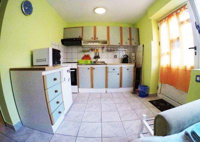 rovenska-apartment-ivana2